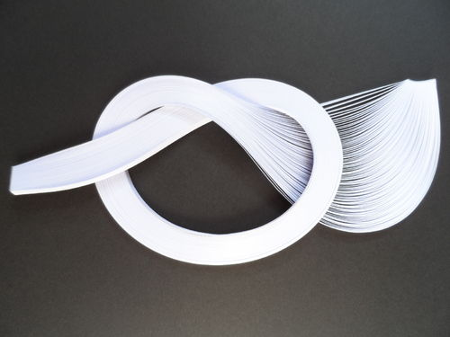Pack of 100 Strips of 3mm Quilling Papers White